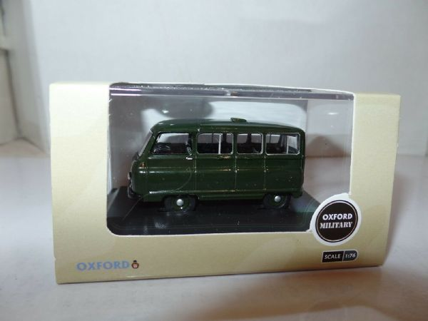 Oxford 76JM022 JM022 1/76 OO Morris J2 Minibus British Army Green HQ